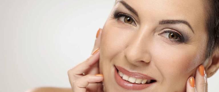 Cómo maquillar las cejas de forma correcta con permanente