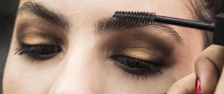 Cómo maquillar las cejas de forma correcta cejas gruesas
