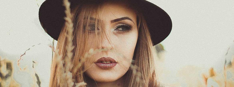 Contorno de ojos para correcciones de rostro con maquillaje